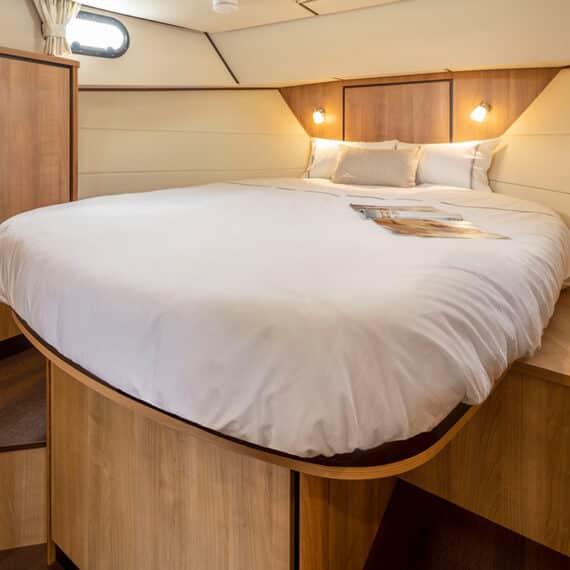 motorjacht Linssen 35 SL AC master bedroom